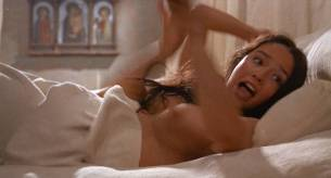 Olivia Hussey nude topless - Romeo and Juliet (1968) HD 1080p BluRay (13)