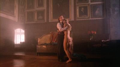 Elizabeth Hurley nude topless Bridget Fonda, Valérie Allain and other's nude bush - Aria (1987) HD 1080p BluRay (18)