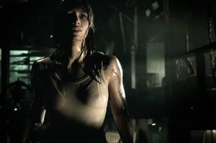 Jessica Biel hot see through – The Texas Chainsaw Massacre (2003) HD 1080p BluRay