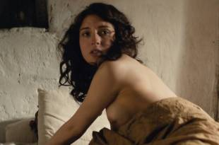 María Valverde nude topless and some sex – Ali and Nino (2016) HD 1080p Web