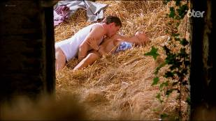 Marie Matheron nude topless, bush and sex - Le grand chemin (FR-1987) HDTV 1080p