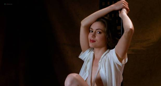 Hots Alyssa Milano Nude Poison Ivy Pictures