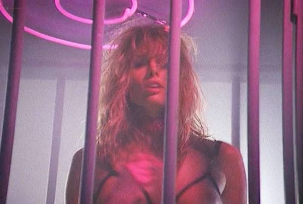 Dani Minnick nude topless and wet Laura Albert nude - Tales from the Crypt (1989) s1e1 (2)