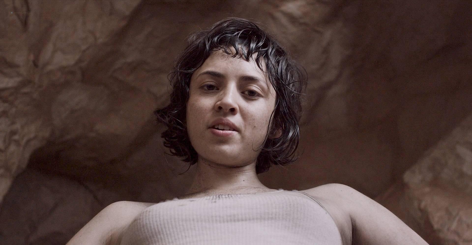 María Evoli nude explicit bj, piss and María Cid nude sex - Tenemos La Carne (MX-2016) HD 1080p BluRay (5)