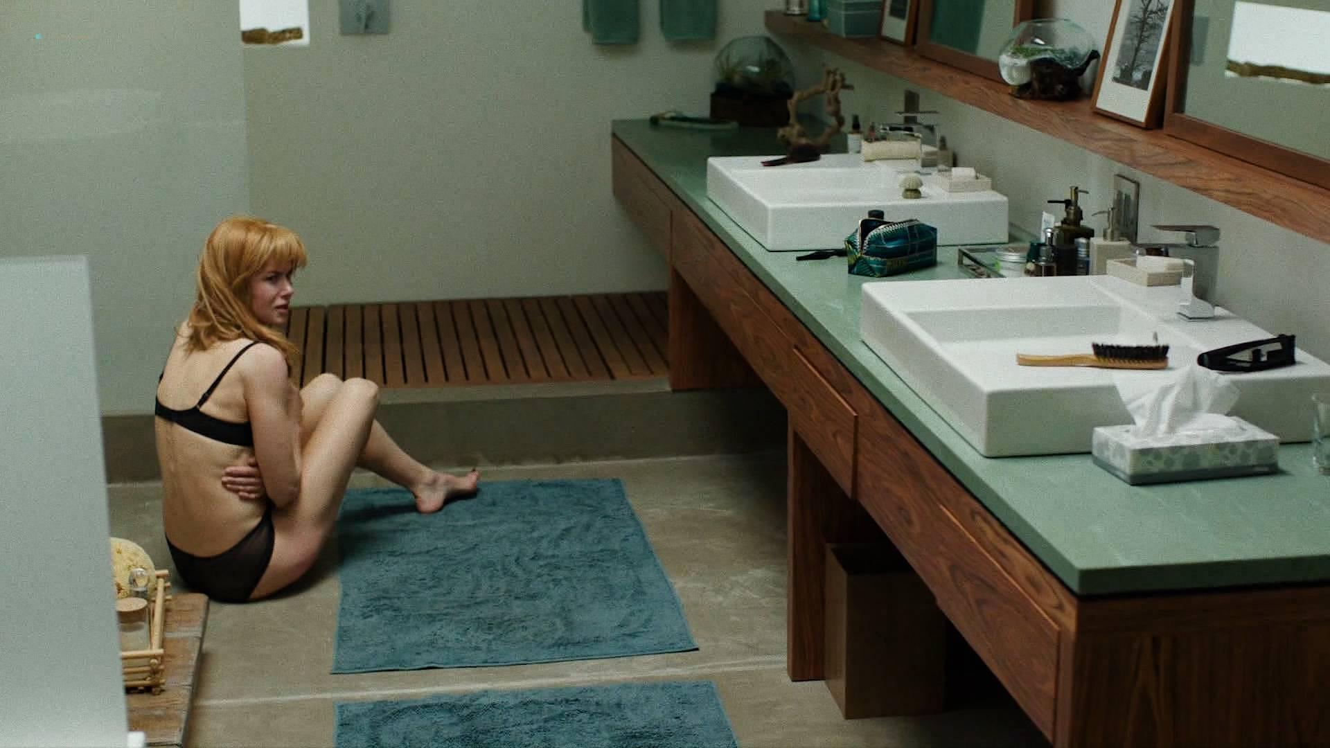 Nicole Kidman nude side boob and butt in the shower - Big Little Lies (2017) s1e7 HD 1080p Web (6)