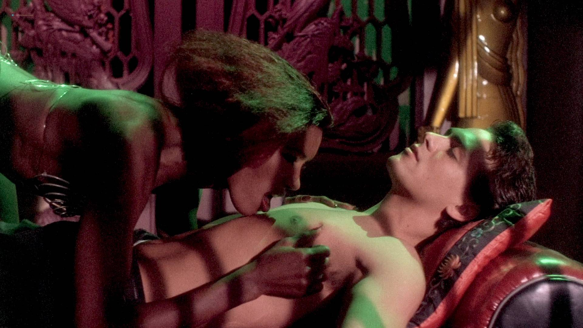Grace Jones nude Lisa Lyon hot thong and Tricia Burns nude topless - Vamp (1986) HD 1080p BluRay (3)