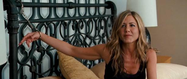 Jennifer Aniston hot and sexy - The Bounty Hunter (2010) HD 1080p BluRay (8)