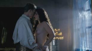 Jodie Comer nude brief topless Amy Manson sex - The White Princess (2017) s1e7 HD 1080p