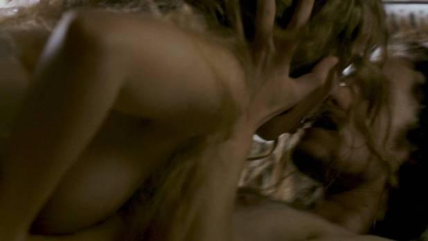 Jodie Comer nude brief topless Amy Manson sex - The White Princess (2017) s1e7 HD 1080p (5)