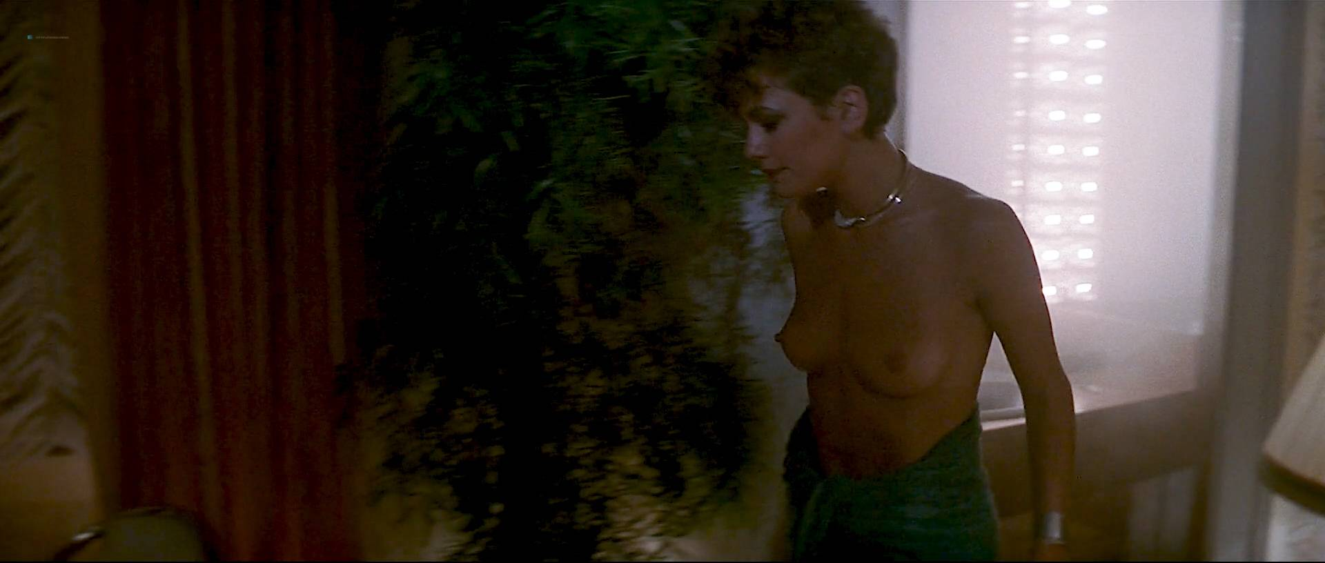 Kirstie Alley Hot And Cec Verrell Nude Topless - Runaway -5464