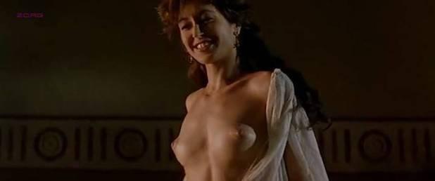 Maribel Verdú hot Marina Gatell nude Cristina Solá and Gloria Cano nude too - Lisístrata (ES-2002) (8)