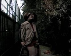 Valérie Donzelli nude full frontal - La reine des pommes (FR-2009) (8)