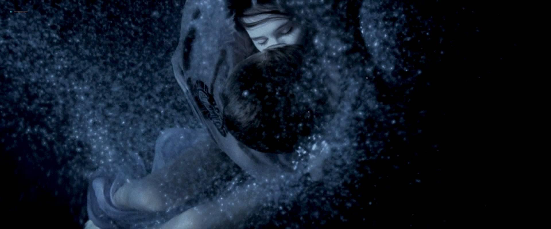 Virginie Ledoyen nude topless Tilda Swinton hot sex - The Beach (2000) HD 1080p BluRay (10)