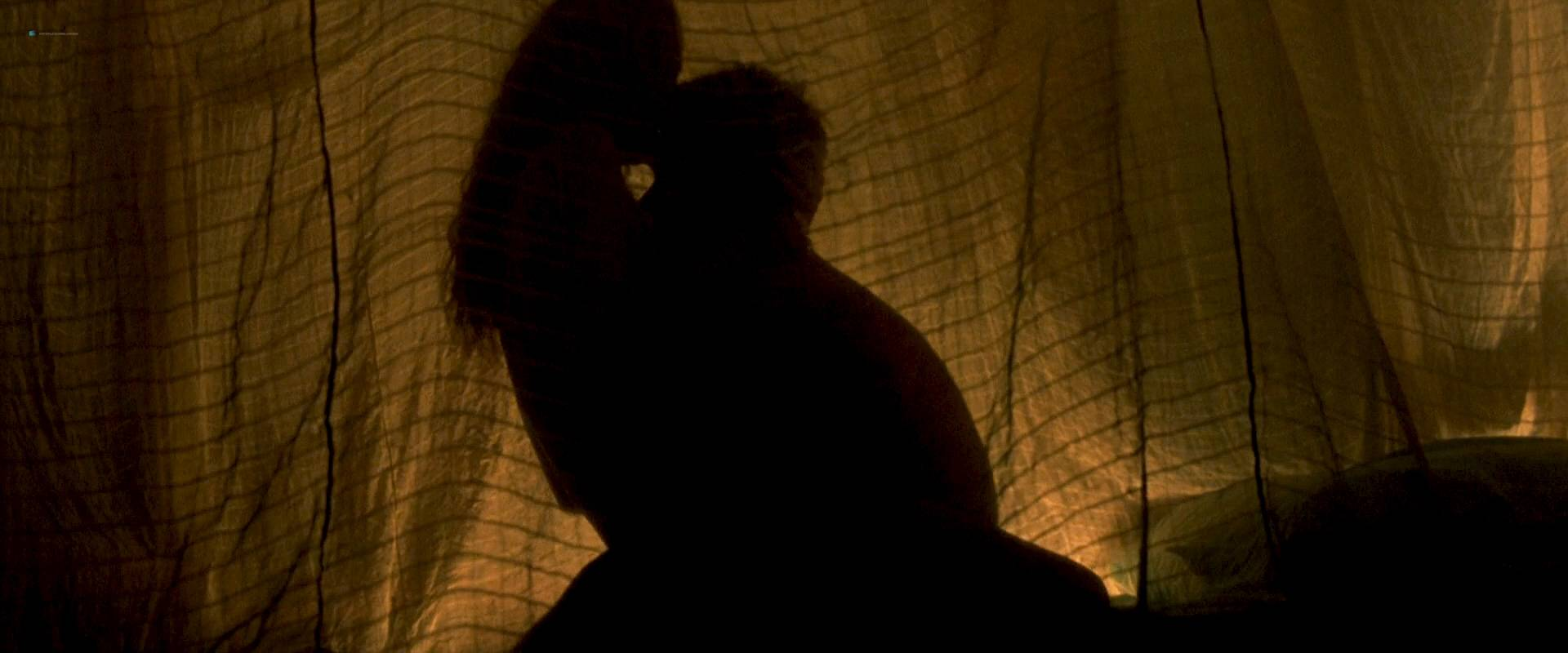 Virginie Ledoyen nude topless Tilda Swinton hot sex - The Beach (2000) HD 1080p BluRay (5)