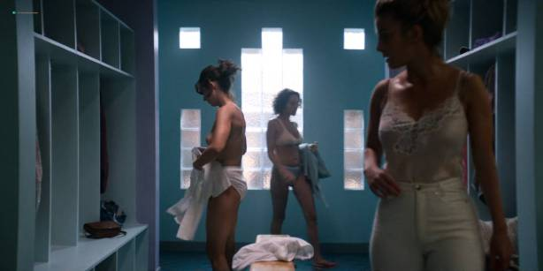 Alison Brie nude topless and sex - Glow ( 2017) s1e1 HD 720 - 1080p (10)