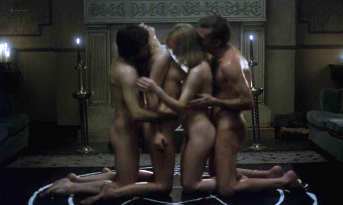 Mariana Karr nude full frontal Sandra Alberti nude sex - Escalofrío (ES-1978) HD 720p (8)