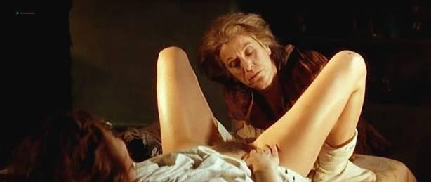 Maribel Verdú nude bush Candela Peña nude sex Penelope Cruz hot - La Celestina (ES-1996) (5)
