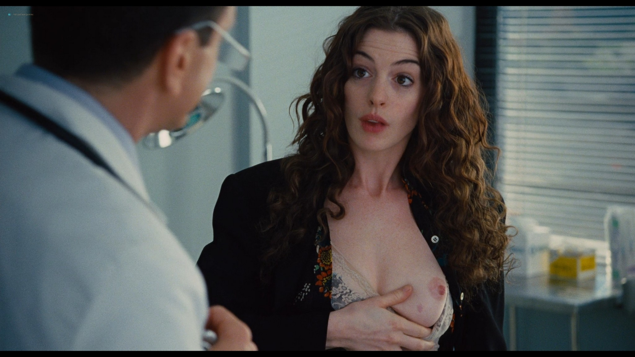Anne Hathaway nude sex, Katheryn Winnick hot - Love and other drugs (2010) HD 1080p BluRay (21)