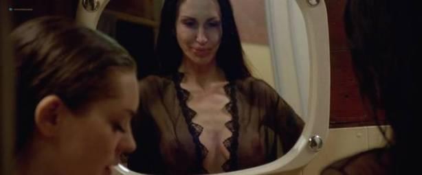 Malgorzata Krukowska nude topless Katarzyna Paskuda nude - Hel (PL-2016) (9)