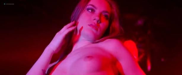 Malgorzata Krukowska nude topless Katarzyna Paskuda nude - Hel (PL-2016) (4)