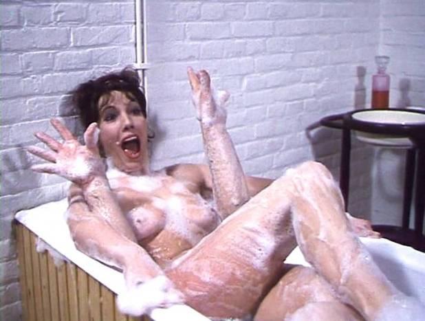 Willeke van Ammelrooy nude bush and Sylvia Kristel nude full frontal - Frank en Eva (NL-1973) (12)