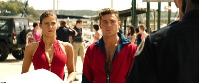 Alexandra Daddario hot busty Kelly Rohrbach hot cleavages other's sexy - Baywatch (2017) HD 1080p (7)