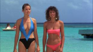 Carey Lowell hot cleavage in swimsuit and Twiggy some pokies - Club Paradise (1986) HD 1080p WEB