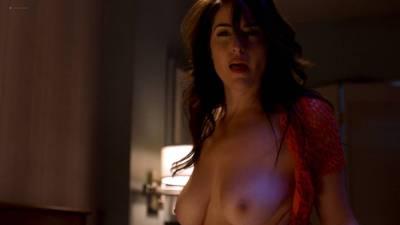 Davie-Blue nude topless - Room 104 (2017) s1e2 HD 1080p Web (6)
