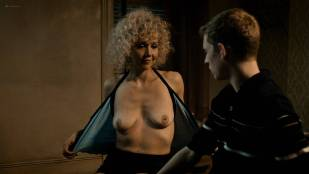 Maggie Gyllenhaal nude topless Margarita Levieva nude other's nude too - The Deuce (2017) s1e1 HD 1080p