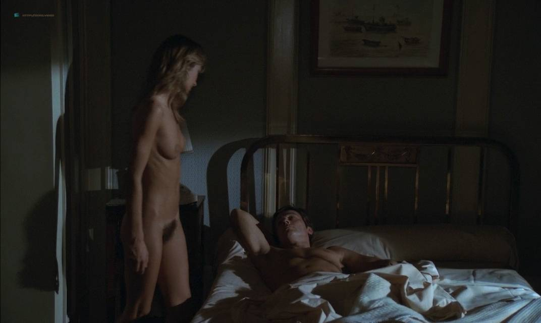 Anne Parillaud nude full frontal Marie-Christine Descouard bush and Andréa Ferréol topless - Le battant (FR-1983) (3)