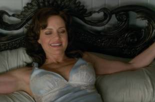 Carla Gugino hot and sexy in lingerie – Gerald's Game (2017) HD 1080p