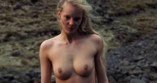 Tara Clark  nackt