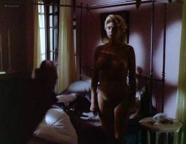 Kelly McGillis nude full frontal and sex - Cat Chaser (1989)