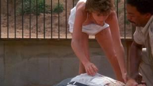 Kristy McNichol sexy nip slip – White Dog (1982) HD 1080p BluRay