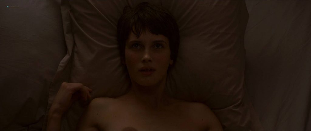 Marine Vacth nude near explicit - L'amant Double (FR-2017) HD 1080p BluRay (16)