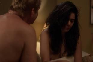 Alyssa Diaz nude nipple – Ray Donovan (2017) s5e11 HD 720p web