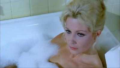 Betsabé Ruiz nude topless and Helga Liné nude - The Loreleys Grasp (SP-1974) HD 1080p BluRay (5)