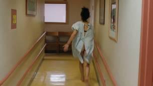 Frankie Shaw nude topless in the tube and Samara Weaving hot pokies - Smilf (2017) s1e1 HD 1080p Web (11)