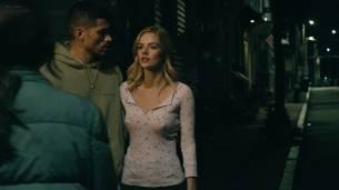 Frankie Shaw nude topless in the tube and Samara Weaving hot pokies - Smilf (2017) s1e1 HD 1080p Web (7)