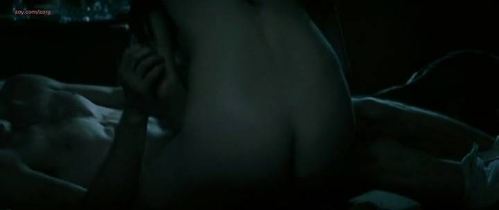 Laurence Leboeuf nude butt topless and sex - Le torrent (FR-2010) (5)