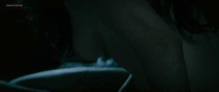 Laurence Leboeuf nude butt topless and sex - Le torrent (FR-2010) (4)