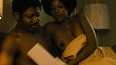 Natalie Paul nude topless Dominique Fishback and Larisa Polonsky nude sex - The Deuce (2017) s1e8 HD 1080p (14)