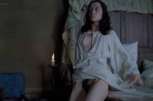 Anne Brochet nude full frontal and Carole Richert nude bush – Tous Les Matins Du Monde (FR-1991) HD 720p BluRay