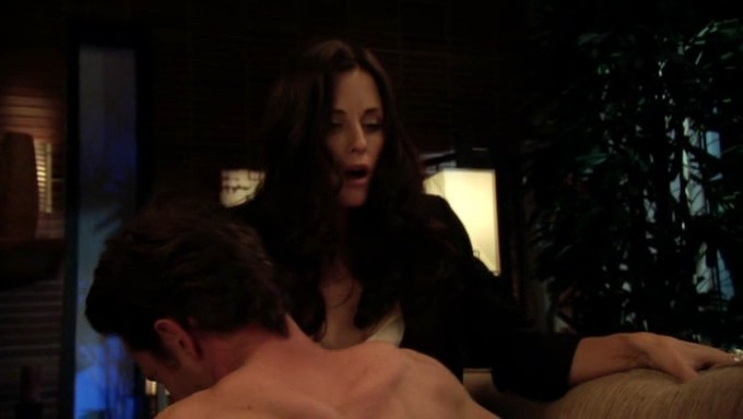 Courtney Cox hot sex and sexy - Dirt (2007) S1 (6)