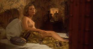 Jennifer Jason Leigh nude topless Gwyneth Paltrow nude topless too - Mrs. Parker and the Vicious Circle (1994) HD 1080p Web (2)