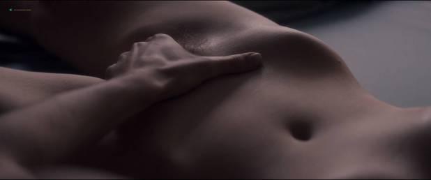 Marion Cotillard nude bush and boobs in sex scene - Mal de Pierres (FR-2016) HD 1080p BluRay (5)