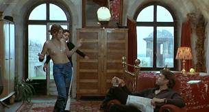 Alexia Stresi nude topless Lou Doillon and Elise Perrier - Trop (peu) d'amour (FR-1998) (11)