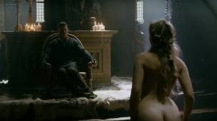 Alicia Agneson nude butt naked and some nipples - Vikings (2017) s5e3 HD 1080p Web (9)