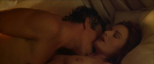 Catherine McCormack nude topless and sex - Dangerous Beauty (1998) HD 1080p Web (7)