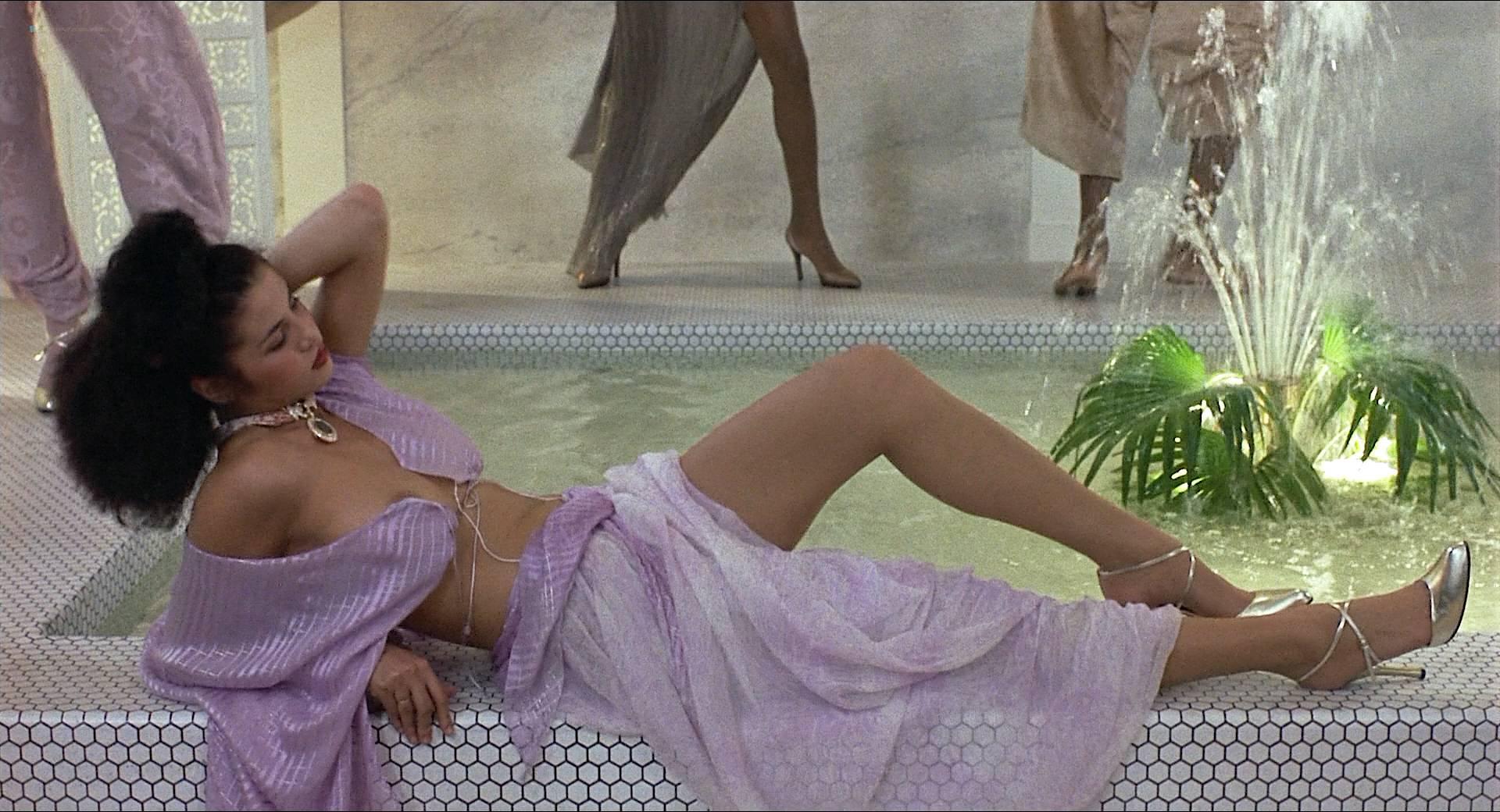 Darlanne Fluegel nude topless Lisa Taylor and Rita Tellone nude topless too - Eyes of Laura Mars (1978) HD 1080p BluRay (5)